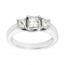 Ladies 1.000 Ctw Princess Cut Diamond Ring / 14 Kt W