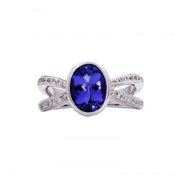 Ladies Oval Cut Tanzanite Ring / 18 Kt W
