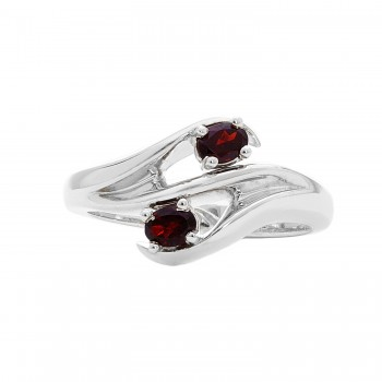Ladies Oval Cut Garnet Ring / Silver